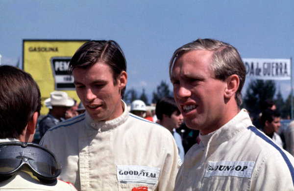 1967 Mexican Grand Prix.Mexico City, Mexico.20-22 October 1967.Jackie Stewart (BRM/Owen Racing Org.) with Chris Irwin (Reg Parnell Racing) and team mate Mike Spence (BRM/Owen Racing Org.).Ref-67 MEX 02.World Copyright - LAT Photographic