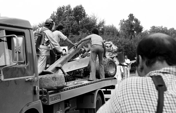 1978 Italian Grand Prix.Monza, Italy.8-10 September 1978.The wreckage of Ronnie Peterson's Lotus 78-Ford is towed away after the accident which claimed his life.World Copyright - LAT Photographic