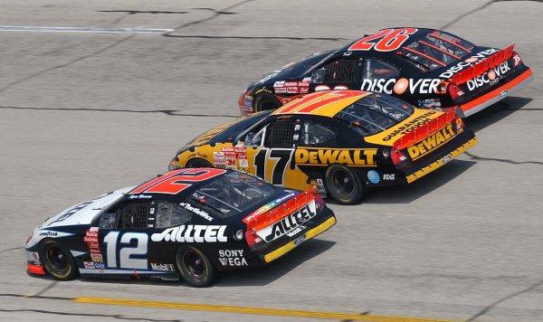 2002 NASCAR,Talladga Superpeedway,Ala. Oct. 3-6, 2002 USA -Ryan Newman runs up front withMatt Kenseth and Todd Bodine,Copyright-Robt LeSieur2002LAT Photographic