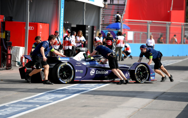 Robin Frijns (NLD), Envision Virgin Racing, Audi e-tron FE06 is pushed back into the garage