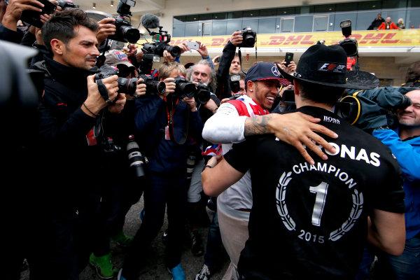 Circuit of the Americas, Austin, Texas, United States of America.  Sunday 25 October 2015. Lewis Hamilton, Mercedes AMG, 1st Position, celebrates victory. World Copyright: Glenn Dunbar/LAT Photographic ref: Digital Image _W2Q5488
