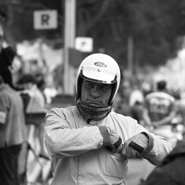 1966 Monaco Grand Prix. Monte Carlo, Monaco. 19th - 22nd May 1966. Guy Ligier (Cooper T81 Maserati), Not Classified, portrait.  World Copyright: LAT Photographic.  Ref:  33990.