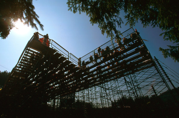 Monza, Italy.5-7 September 1997.The fans get to their seats very early.Ref-97 ITA 14.World Copyright - LAT Photographic