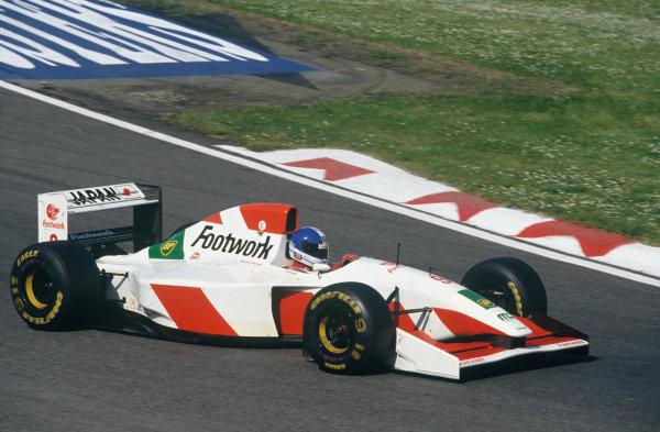 Imola, Italy. 23rd - 25th April 1993.Derek Warwick (Footwork FA14-Mugen Honda), retired, action. World Copyright: LAT Photographic.Ref:  93SM