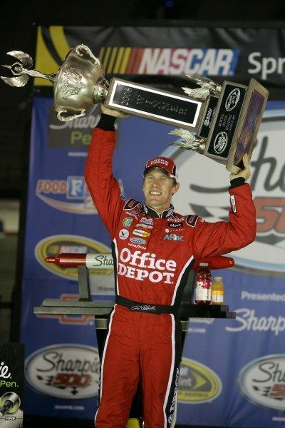 Winner Carl Edwards (USA) OFFICE DEPOT Ford. Sharpie 500, Bristol Motor Speedway, Tennessee, USA, 22-24 August 2008.
