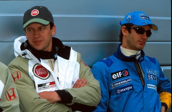 L-R: Olivier Panis (FRA) BAR, Jarno Trulli (ITA) Renault.