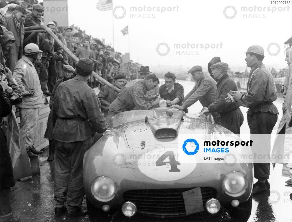 1954 Le Mans 24 hours.