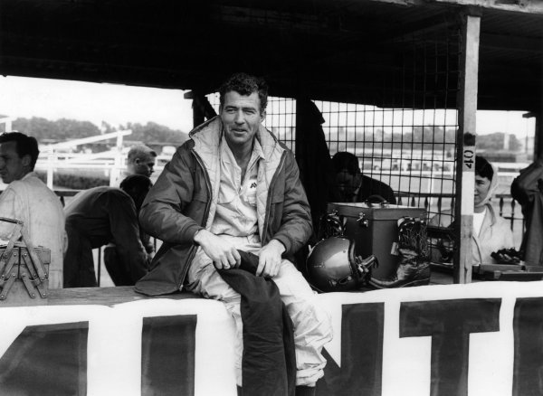 1959 British Grand Prix. Aintree, Great Britain. 18th July 1959. Carroll Shelby (Aston Martin DBR4/250), 11th position, support sportscar race, portrait. World Copyright: LAT Photographic. Ref: 8333C - 9.