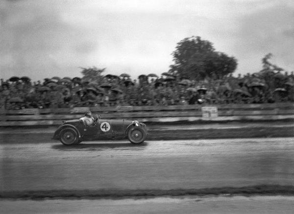 1931 Irish International Grand Prix. Phoenix Park, Dublin, Ireland. 5th - 6th June 1931. Maserati, action.  World Copyright: LAT Photographic.  Ref:  Autocar Glass Plate B6233.