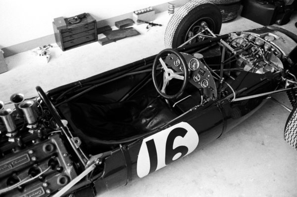 The cockpit of the Brabham BT7, piloted by Dan Gurney (USA).