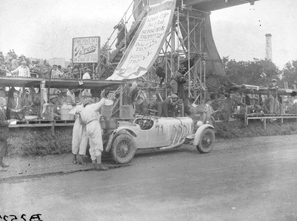 Otto Merz, Mercedes-Benz SS, makes a pitstop.