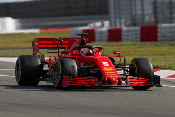 Sebastian Vettel, Ferrari SF1000, spins on track