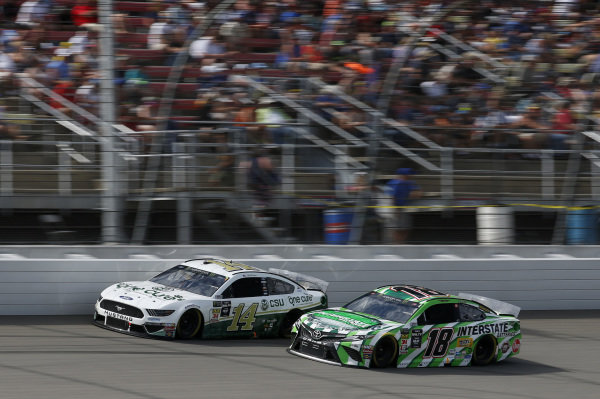 #18: Kyle Busch, Joe Gibbs Racing, Toyota Camry Interstate Batteries #14: Clint Bowyer, Stewart-Haas Racing, Ford Mustang One Cure