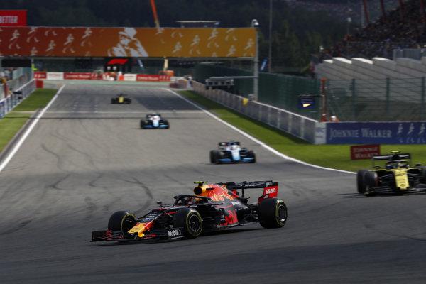 Alexander Albon, Red Bull RB15, leads Nico Hulkenberg, Renault R.S. 19, George Russell, Williams Racing FW42, and Robert Kubica, Williams FW42