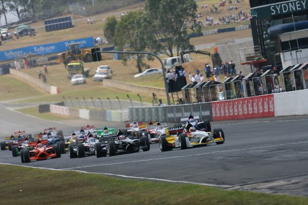 04.02 2007 Eastern Creek, Australia, Nico Hülkenberg, Driver of A1Team Germany leads the start of the race - A1GP World Cup of Motorsport 2006/07, Round 7, Eastern Creek, Sunday Race 1 - Copyright A1GP - Free for editorial usage