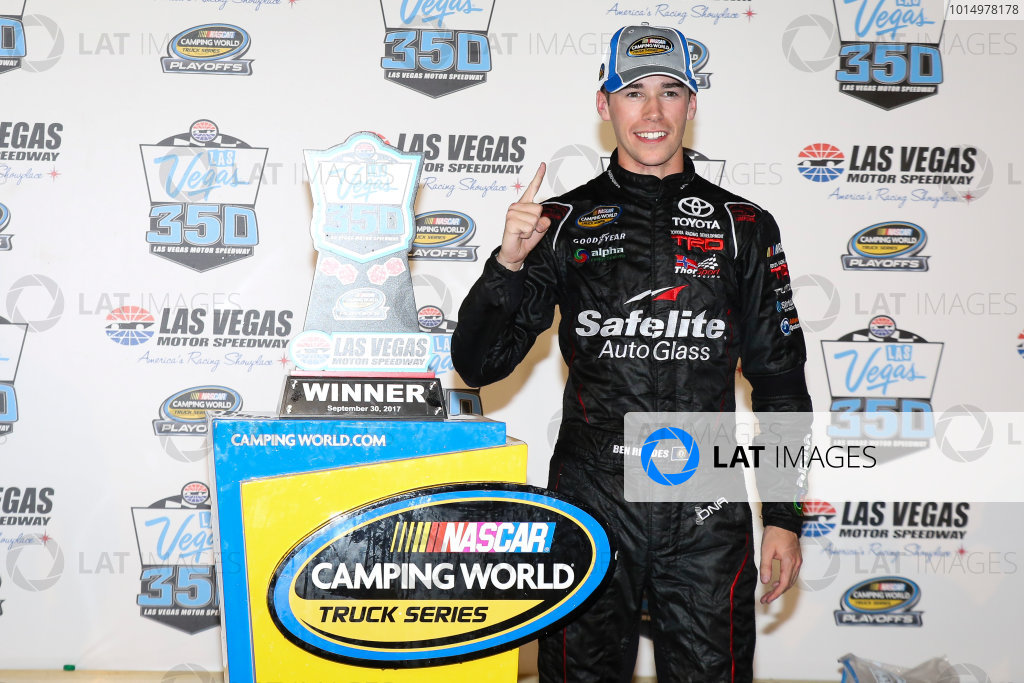 NASCAR Camping World Truck Series Las Vegas 350 Las Vegas Motor Speedway, Las Vegas, NV USA Saturday 30 September 2017 Ben Rhodes, Safelite Auto Glass Toyota Tundra celebrates World Copyright: Barry Cantrell LAT Images