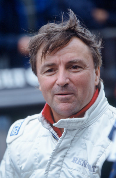 2004 Goodwood Festival of SpeedGoodwood House, Chichester, England. 25th - 27th June.Rene Arnoux was again at the Festival. This time to demonstrate the Renault RS01.World Copyright: Jeff Bloxham/LAT Photographicref: 35mm Transparency Image.