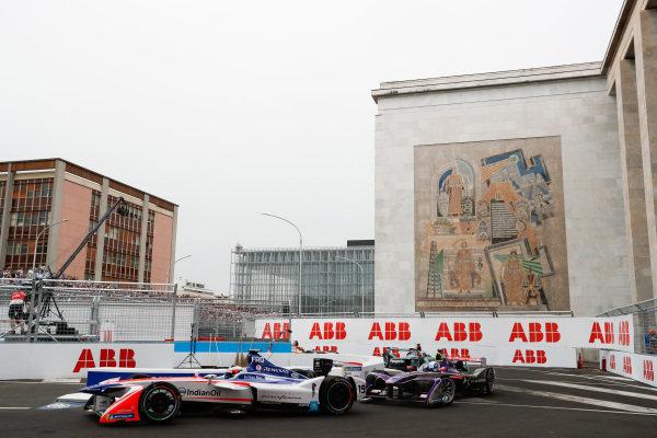 Felix Rosenqvist (SWE), Mahindra Racing, Mahindra M4Electro, leads Sam Bird (GBR), DS Virgin Racing, DS Virgin DSV-03.
