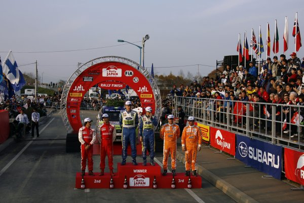 2007 FIA World Rally Champs. Round 14Rally Japan, 25th - 28th October 2007Mikko Hirvonen, Ford, podiumWorld Copyright: McKlein/LAT