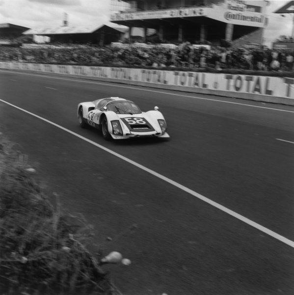 Le Mans, France. 18 - 19 June 1966.Gunther Klass/Rolf Stommelen (Porsche 906/6), 7th position, action. World Copyright: LAT Photographic.Ref: 35008.