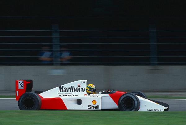 1992 Italian Grand Prix.Monza, Italy.11-13 September 1992.Ayrton Senna (McLaren MP4/7A Honda) 1st position.Ref-92 ITA 11.World Copyright - LAT Photographic