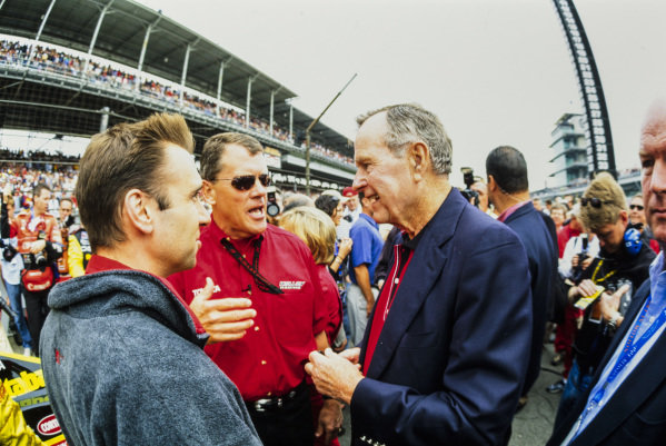 Tom Kelley on the grid with George H. W. Bush.