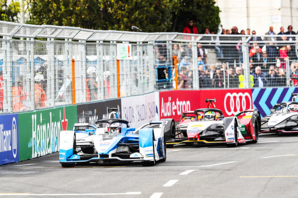 Antonio Felix da Costa (PRT), BMW I Andretti Motorsports, BMW iFE.18, leads Lucas Di Grassi (BRA), Audi Sport ABT Schaeffler, Audi e-tron FE05