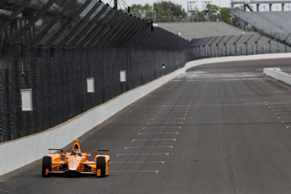 Verizon IndyCar Series Fernando Alonso Test for Indianapolis 500 Indianapolis Motor Speedway, Indianapolis, IN USA Wednesday 3 May 2017 Fernando Alonso turns his first career laps on an oval in preparation for his Indianapolis 500 debut. World Copyright: Michael L. Levitt LAT Images