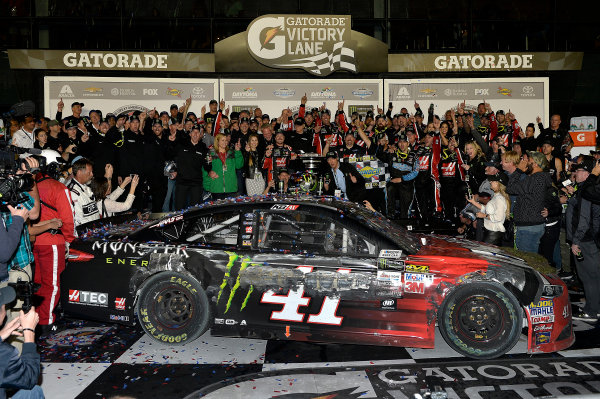 2017 NASCAR Monster Energy Cup - Daytona 500 Daytona International Speedway, Daytona Beach, FL USA Sunday 26 February 2017 Kurt Busch celebrates his Daytona 500 Victory World Copyright: Rusty Jarrett/LAT Images ref: Digital Image 17DAY1rj_07569