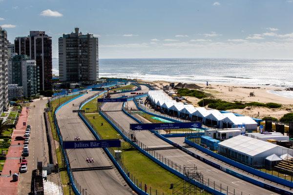 2015/2016 FIA Formula E Championship. Testing, Punta del Este, Uruguay. Sunday 20 December 2015. Oliver Rowland (GBR), Mahindra Racing M2ELECTRO leads Bruno Senna (BRA), Mahindra Racing M2ELECTRO. Photo: Zak Mauger/LAT/Formula E ref: Digital Image _L0U9295