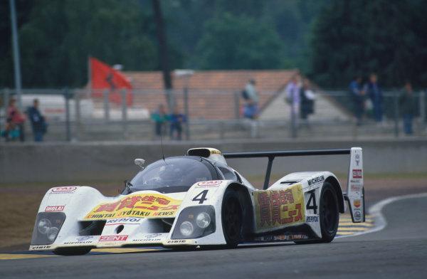 1992 Le Mans 24 Hours. Le Mans, France. 20th - 21st June 1992. Heinz-Harald Frentzen/Syunji Kasuya/Charles Zwolsman (Lola T92/10), 13th position, action. World Copyright: LAT Photographic. Ref:  92LM25.
