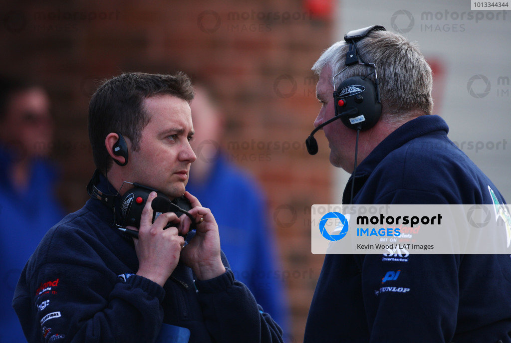 Brands Hatch, UK. 5th April 2009. Rds 1,2,3.  Oli Collins, Team Manager, and David Bartrum, Team Principle, Motorbase BMW. Portrait.  World Copyright: Kevin Wood/LAT  Photographic Ref: Digital Image IMG_9337a