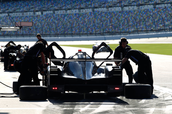 2017 WeatherTech Sportscar Championship December Daytona Testing Wednesday 6 December 2017 #7 Team Penske Acura DPi: Helio Castroneves, Ricky Taylor, Graham Rahal  World Copyright: Alexander Trienitz/LAT Images  ref: Digital Image 2017-IMSA-Test-Dayt-AT1-1782
