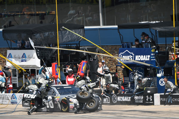 10-12 June, 2016, Brooklyn, Michigan USA Jimmie Johnson (48) makes a pit stop. ?2016, John Harrelson / LAT Photo USA