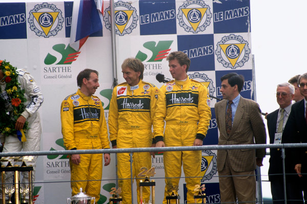 Le Mans, France. 17th - 18th June 1995.  Andy Wallace/Derek Bell/Justin Bell (McLaren F1 GTR), 3rd position, popdium, portrait.  World Copyright: LAT Photographic. Ref:  95LM19.