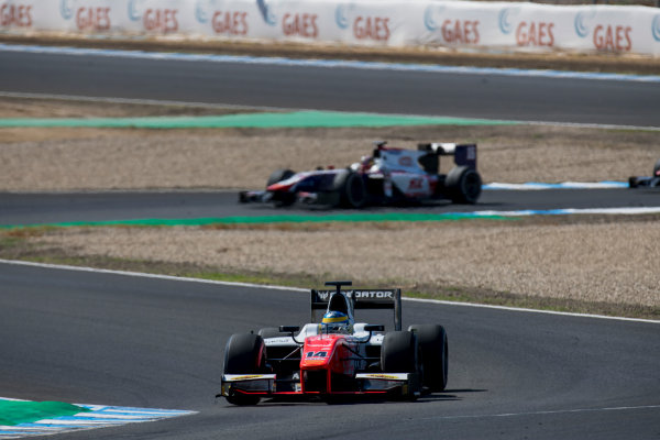 2017 FIA Formula 2 Round 10. Circuito de Jerez, Jerez, Spain. Sunday 8 October 2017. Sergio Sette Camara (BRA, MP Motorsport).  Photo: Zak Mauger/FIA Formula 2. ref: Digital Image _56I7804
