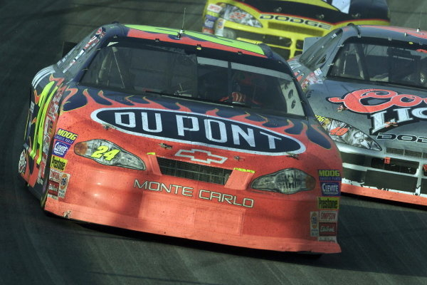 2001 Winston Cup Champion Jeff Gordon (USA) DuPont Chevrolet finished sixth.NASCAR Winston Cup Series, NAPA 500, Atlanta, USA, 17 November 2001.DIGITAL IMAGE