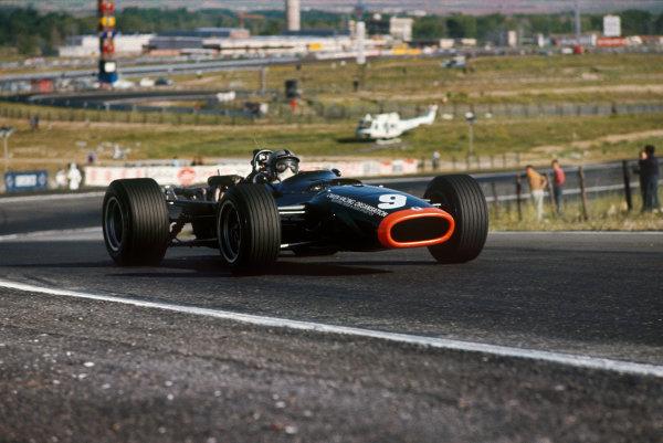 Jarama, Spain. 12 May 1968. Rd 2. Pedro Rodriguez (BRM P133-BRM), retired, action. World Copyright: LAT Photographic. Ref: 68ESP12.
