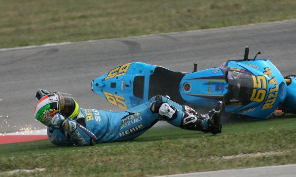 San Marino Misano 03-05 September 2010Loris Capirossi Rizla Suzuki crashes out at the start