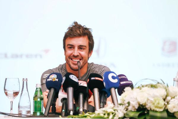 Bahrain International Circuit, Sakhir, Bahrain.  Wednesday 12 April 2017. Fernando Alonso announces his deal to race in the 2017 Indianapolis 500 in an Andretti Autosport run McLaren Honda car. World Copyright: Glenn Dunbar/LAT Images ref: Digital Image _31I6909