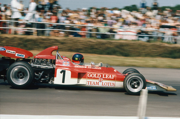 1971 British Grand Prix.  Silverstone, England. 15-17th July 1971.  Emerson Fittipaldi, Lotus 72D Ford, 3rd position.  Ref: 71GB11. World Copyright: LAT Photographic