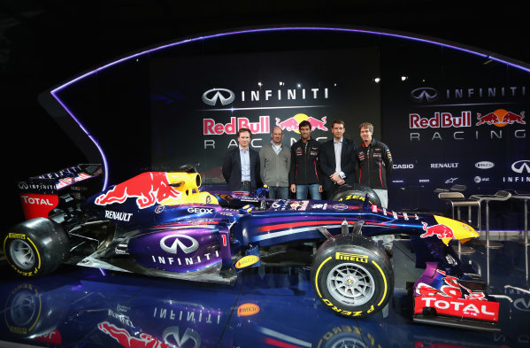 Milton Keynes, UK 3rd February 2013 .(L-R) Christian Horner, Team Principle, Adrian Newey, Chief Technical Officer, Mark Webber of Australia, Simon Sproule, Infiniti Corperate Vice-President Global Marketing and Sebastian Vettel of Germany pose along side the new car Photo: Mark Thompson/Getty Images/Red Bull Racing () ref: Digital Image 160597171