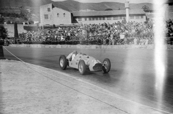 Philippe Etancelin, Talbot-Lago T26C.