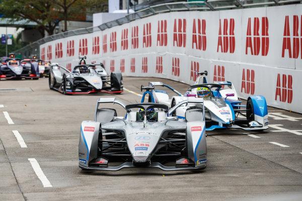 Felipe Massa (BRA), Venturi Formula E, Venturi VFE05 leads Alexander Sims (GBR) BMW I Andretti Motorsports, BMW iFE.18 and Sébastien Buemi (CHE), Nissan e.Dam, Nissan IMO1