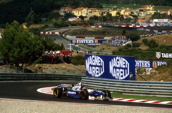 Estoril, Portugal.20-22 September 1996.Jacques Villeneuve (Williams FW18 Renault) 1st position.Ref-96 POR 07.World Copyright - LAT Photographic