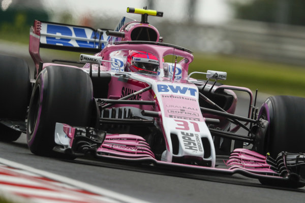 Esteban Ocon, Force India VJM11 Mercedes.
