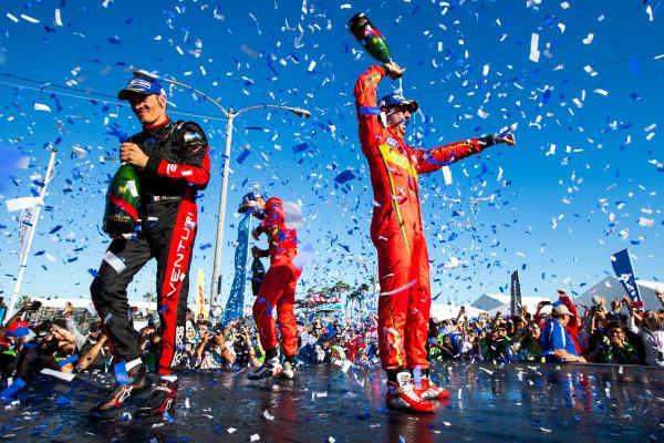 2015/2016 FIA Formula E Championship. Long Beach ePrix, Long Beach, California, United States of America. Sunday 3 April 2016. Stephane Sarrazin (FRA), Venturi VM200-FE-01, Daniel Abt (GER), ABT Audi Sport FE01, Lucas Di Grassi (BRA), ABT Audi Sport FE01. Photo: Zak Mauger/LAT/Formula E ref: Digital Image _L0U1821