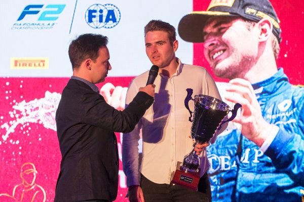 2017 Awards Evening. Yas Marina Circuit, Abu Dhabi, United Arab Emirates. Sunday 26 November 2017. Oliver Rowland (GBR, DAMS).  Photo: Zak Mauger/FIA Formula 2/GP3 Series. ref: Digital Image _56I3679