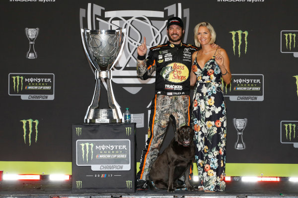 Monster Energy NASCAR Cup Series Ford EcoBoost 400 Homestead-Miami Speedway, Homestead, FL USA Monday 20 November 2017 Martin Truex Jr, Furniture Row Racing, Bass Pro Shops / Tracker Boats Toyota Camry, with girlfriend Sherry Pollex World Copyright: Michael L. Levitt LAT Images