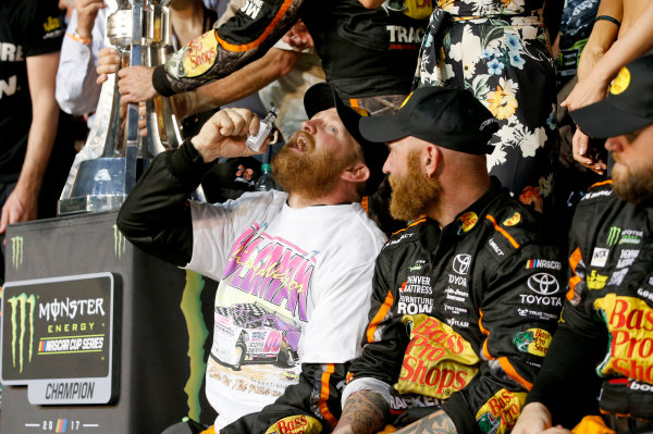 Monster Energy NASCAR Cup Series Ford EcoBoost 400 Homestead-Miami Speedway, Homestead, FL USA Sunday 19 November 2017 Martin Truex Jr, Furniture Row Racing, Bass Pro Shops / Tracker Boats Toyota Camry Priority World Copyright: Matthew T. Thacker LAT Images